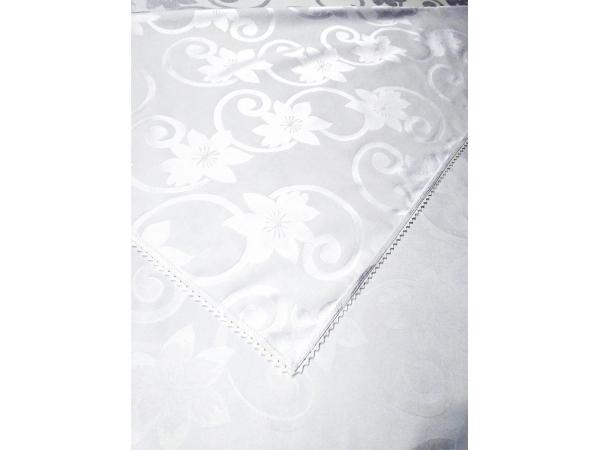 Fata de masa alba din damasc de lux 370x170  cu dantela brodata