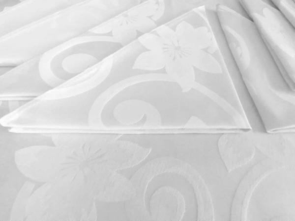 Fata de masa rotunda din damasc, cu dantela, diametru 260, White Flowers, + 12 servetele fara dantela